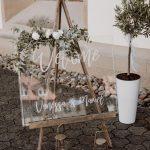 Willkommensschild für eine Greenery Hochzeit